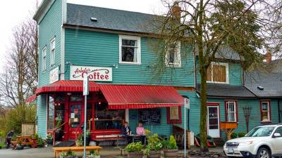Arbutus Coffee: a long-familiar neighbourhood business anchoring a residential cluster/Naomi Reichstein photo